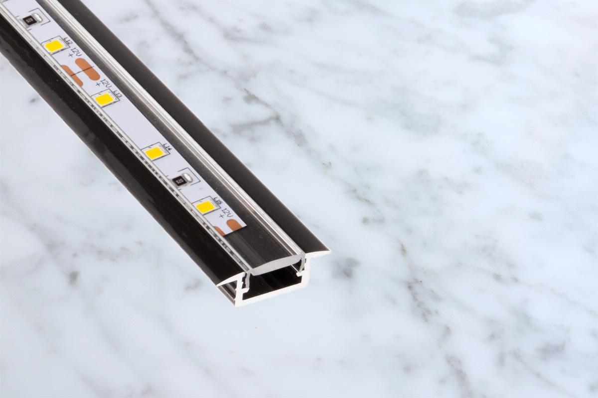 https://von-adelberg.com/wp-content/uploads/2021/02/aluminum-LED-profiles-2.jpg